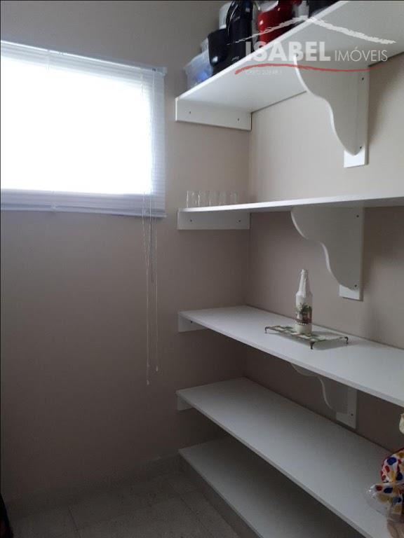 sobrado4 dormitórios sendo 1 suíte com closet,sala de tv,sala de visita com lareira elétrica,sala de jantar,cozinha...