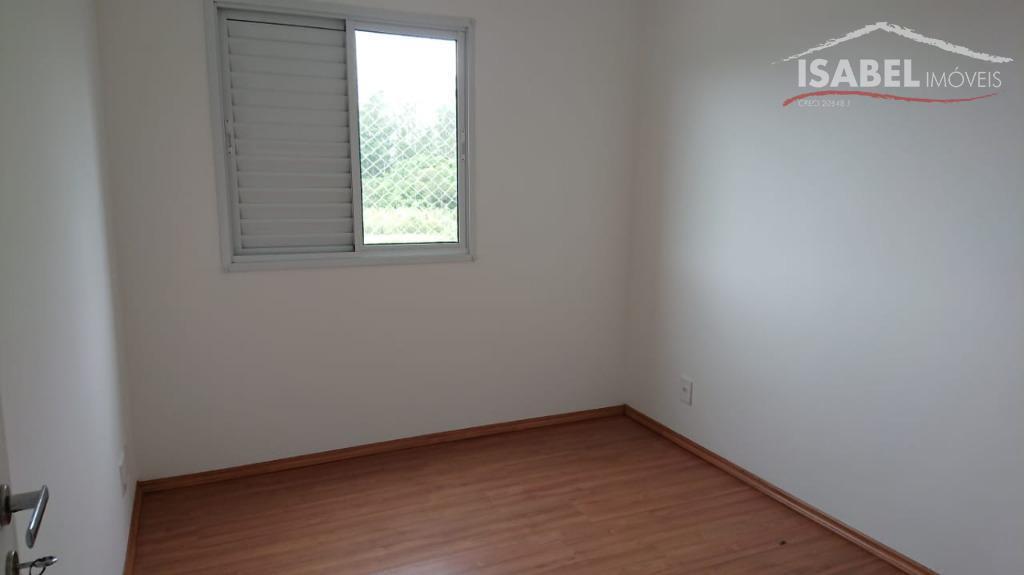 3 dormitórios sendo 1 suíte,sala ampla para 2 ambientes,1 banheiro,cozinha com gabinete,área de serviço,2 vagas descobertas,área...