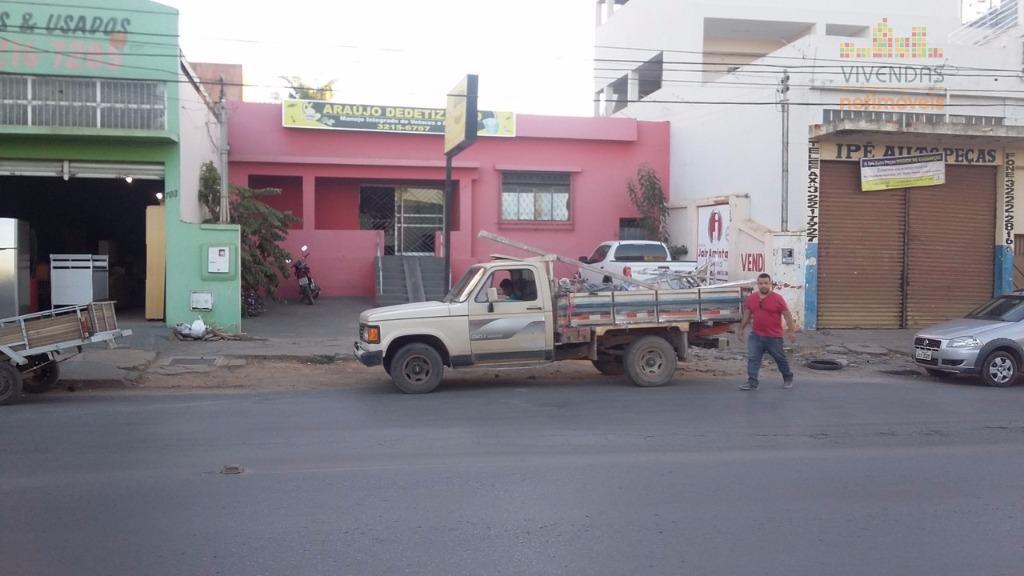 Casa comercial à venda, Edgar Pereira, Montes Claros.