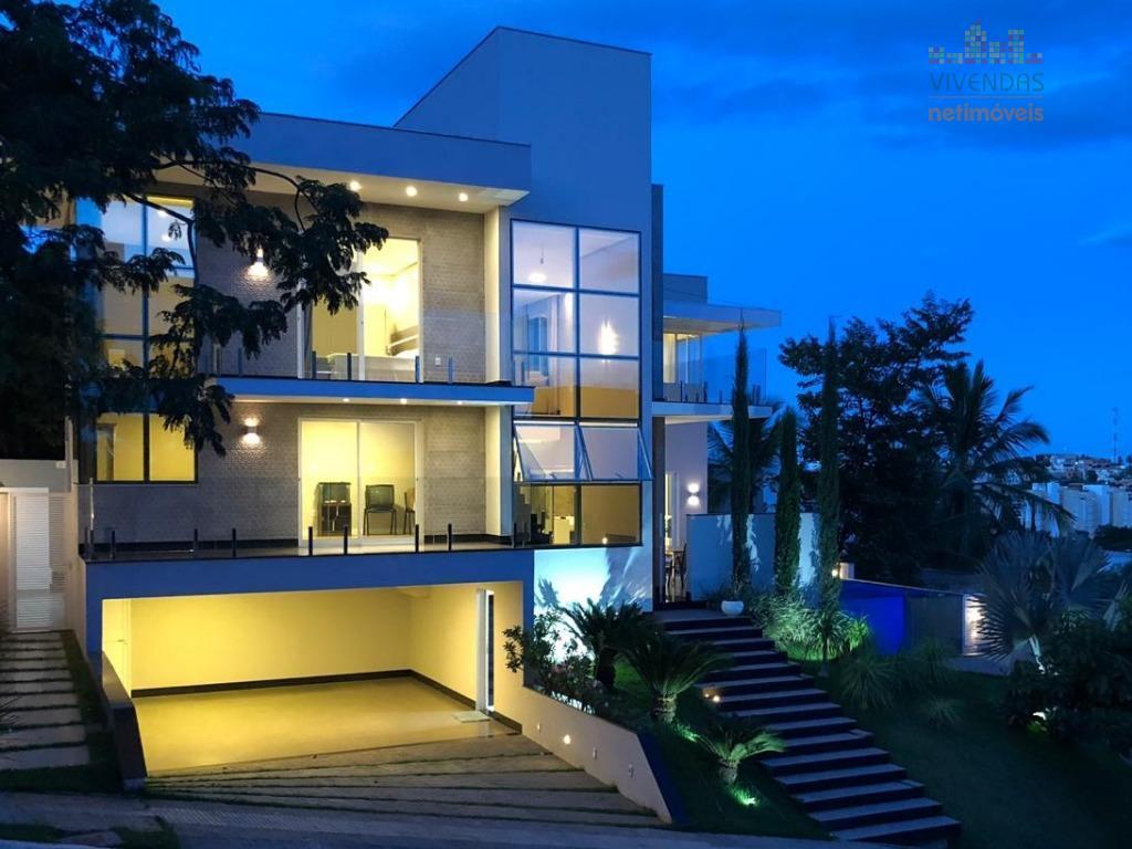 Casa com 4 dormitórios à venda - Ibituruna - Montes Claros/MG