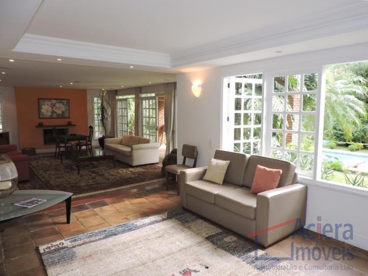 - condomínio rústico com lotes grandes e muito verde.- casa com estilo de campo. ampla e...