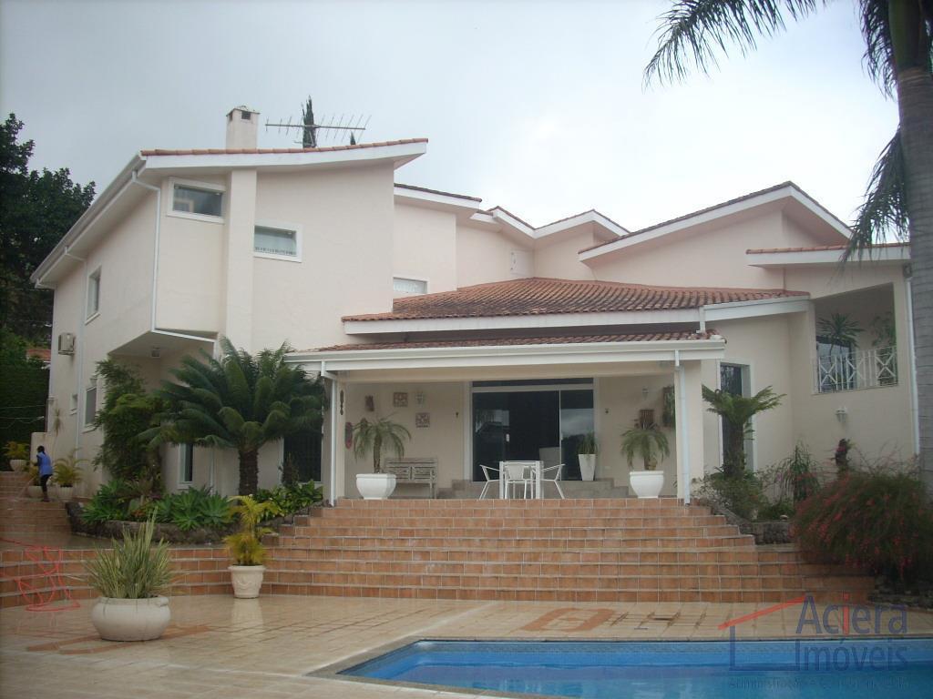 Granja Viana- Excelente residencia repleta de armários e lazer completo, em condomínio com clube!