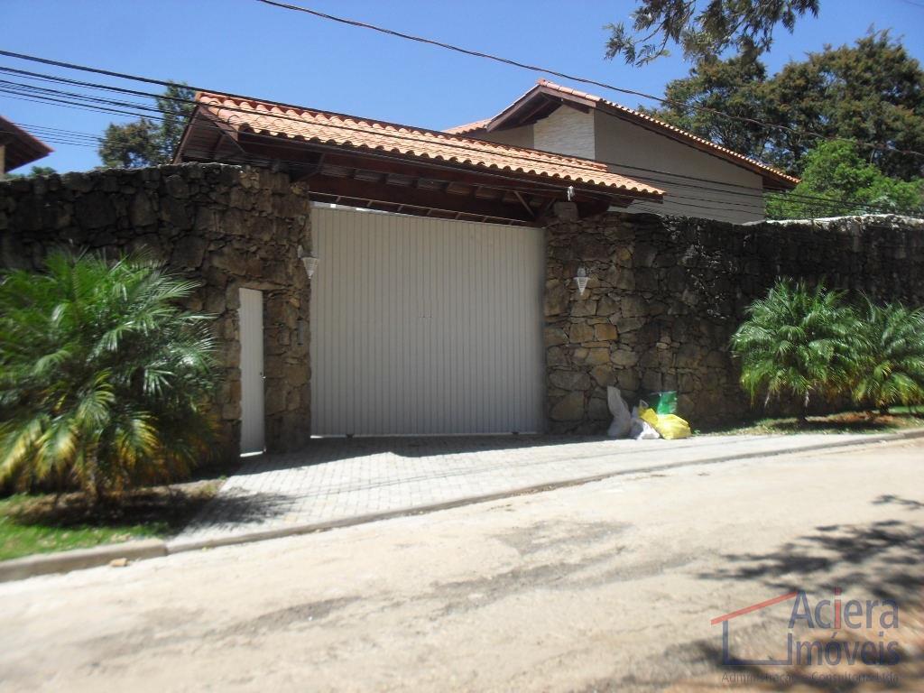 Granja Viana- Casa dentro de condomínio, muito charmosa e com segurança!
