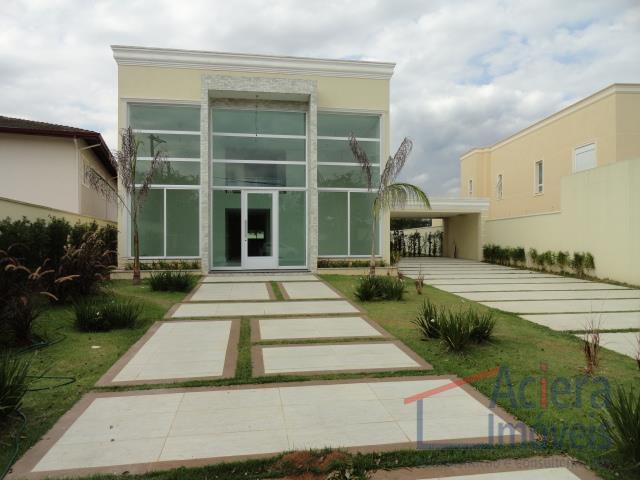 Jardim Passárgada-Casa clean e aconchegante, com 4 suítes, em um terreno plano de 917 m²