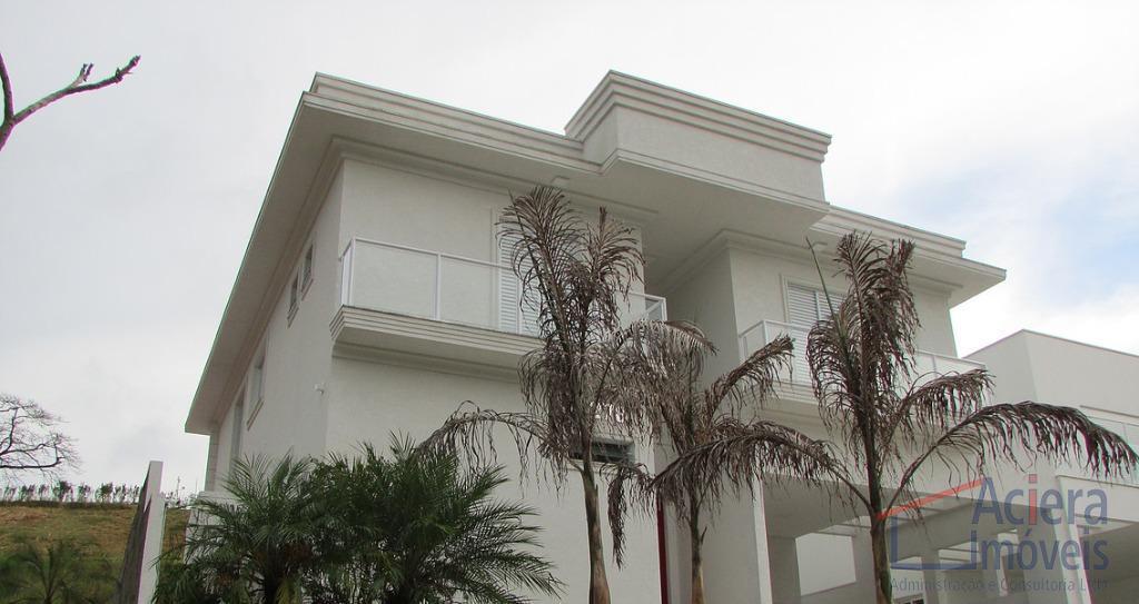 Vintage- Excelente residência, em condomínio com infraestrutura completa !!