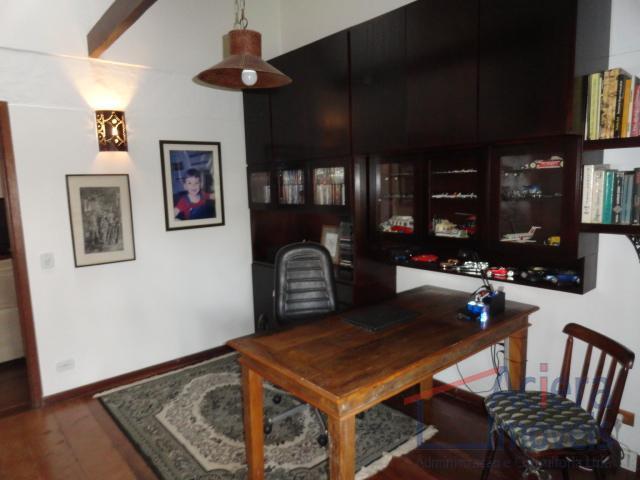casa de campo, localizada em condomínio com excelente infra-estrutura de lazer e sustentabilidade com lagos e...