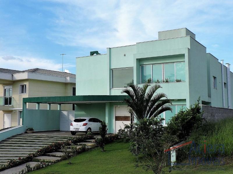 Reserva Santa Maria- Excelente casa, moderna, envidraçada, integrada e bem confortável!