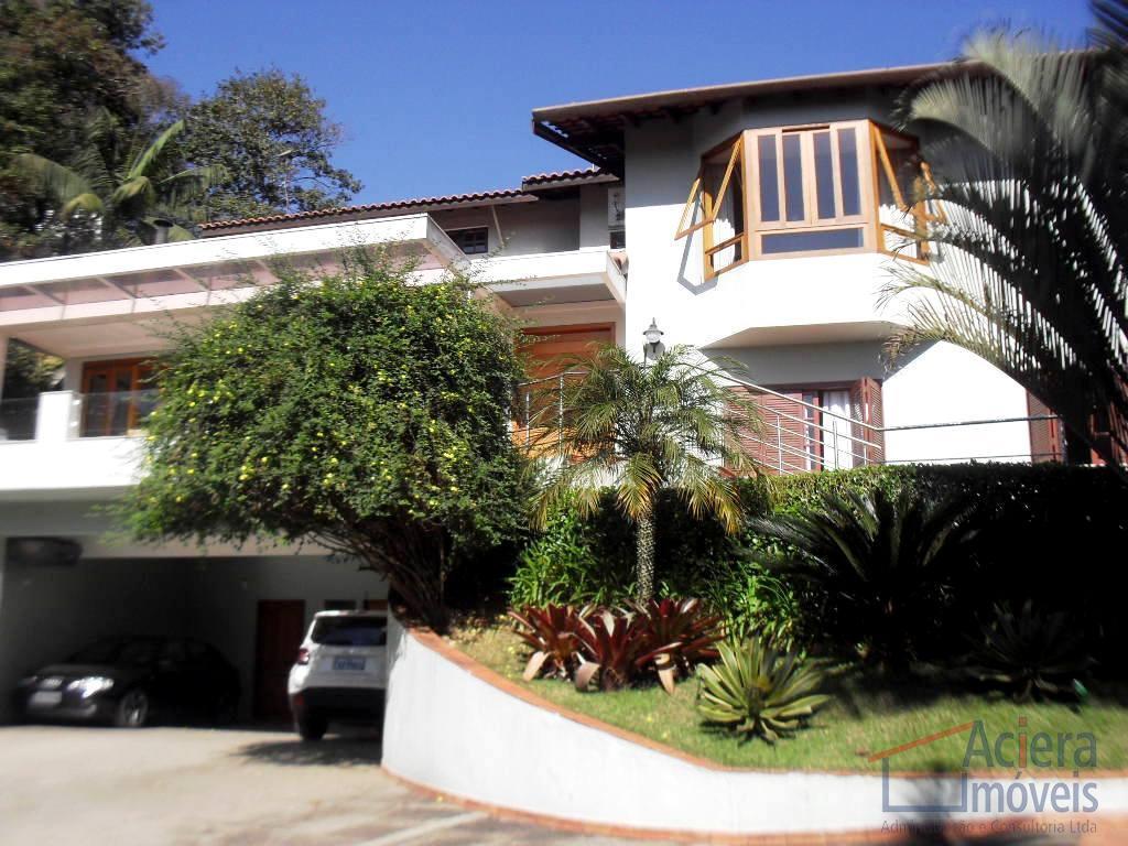 GRANJA VIANA – Bolsão residencial próximo à Rod.Raposo Tavares Casa charmosa com linda vista e repleta de armários