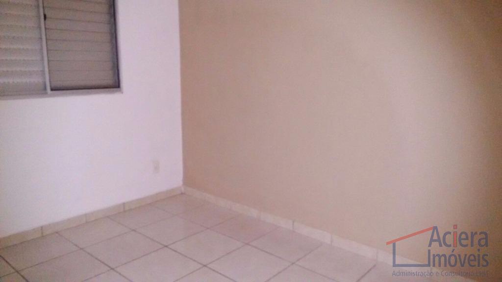 apartamento térreo, excelente localização, próximo aos principais comércios, escolas, bancos e faculdade da região, além de...