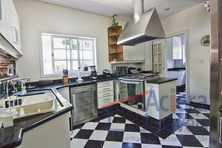 casa excelente com acabamento primoroso, materiais de primeira qualidade. sala de estar com três ambientes, sala...