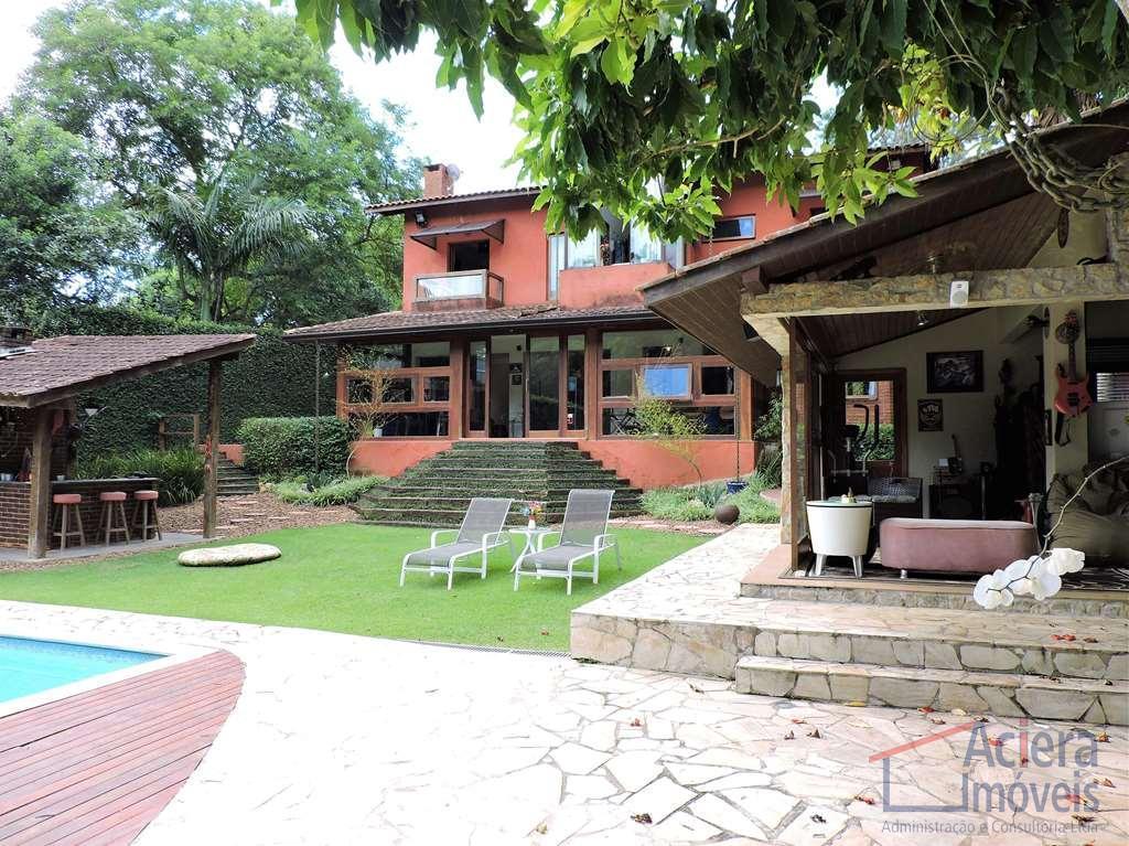 Casa contemporânea maravilhosa! Com muita personalidade, sofisticação e bom gosto.