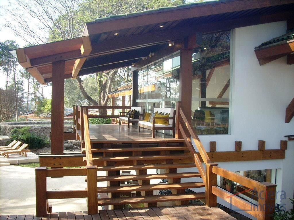 More em um lugar privilegiado na Granja Viana.