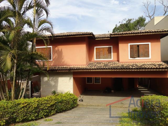 Oportunidade! Casa recém-reformada à venda, dentro de condomínio na Aldeia da Fazendinha, Carapicuíba.