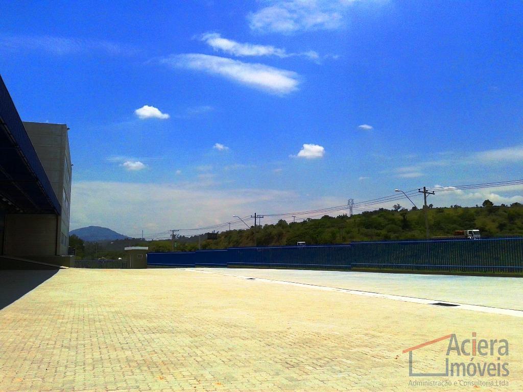 com 17.000 m² de terreno e 12.000 m² de área construída, com 9.000 m² de área...