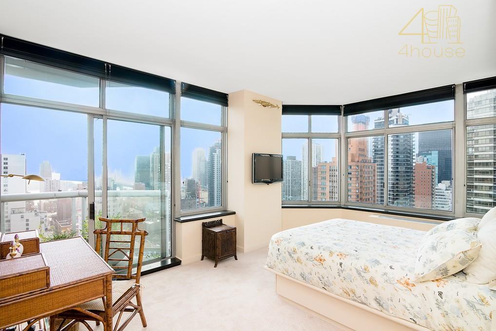 property details4.5 rooms2 bedrooms2.5 bathroomsbalconywasher dryerbuilding detailspostwarcondobuilt in 1985doormanconciergeelevatorgaragelaundrystorageproperty featuresviews! views! views!high floor 2 bedroom 2.5...