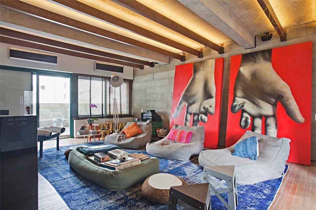 Vila Nova Conceição - Apartamento Diferenciado 430m²  02 Suítes  03 Vagas na Rua Jacques Felix para Venda.