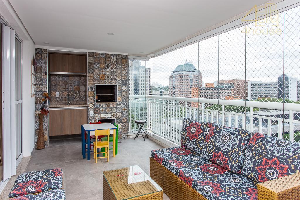 Chácara Santo Antônio (Zona Sul) - Apartamento com Varanda Gourmet 134m²   03 Suítes  02 Vagas na Rua Fernandes Moreira para Venda.