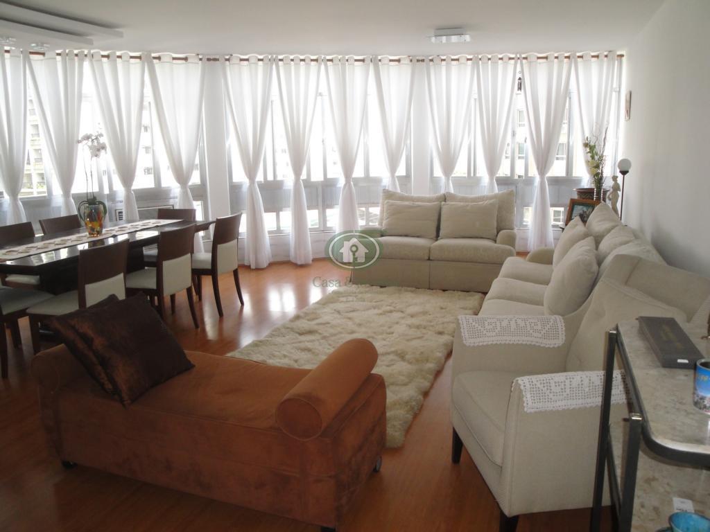 Amplo apartamento no Gonzaga uma quadra da praia