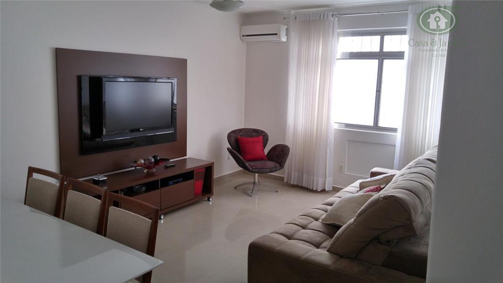 Apartamento , Gonzaga, Santos.reformado, ótimo local