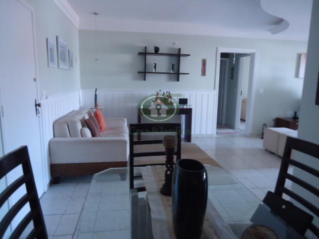 Amplo apto (120 m2 a. util) 2 dormitos (suite) frente c/ terraço mobiliavel, Ponta Praia.