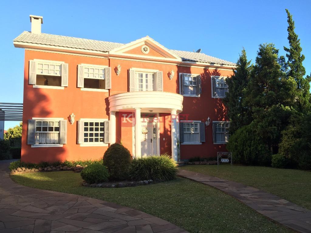 Casa alto padrão e amplo pátio à venda, Centro, Venâncio Aires.