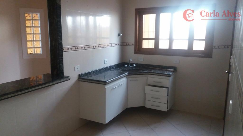 casa com 2 dormitórios sendo uma suíte, sala, cozinha, 2 vagas, cobertas, área de serviço, churrasqueira,...