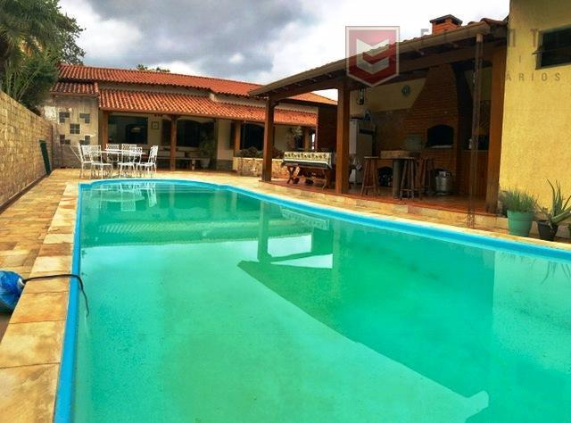 Casa residencial à venda, Costa Carvalho, Juiz de Fora.