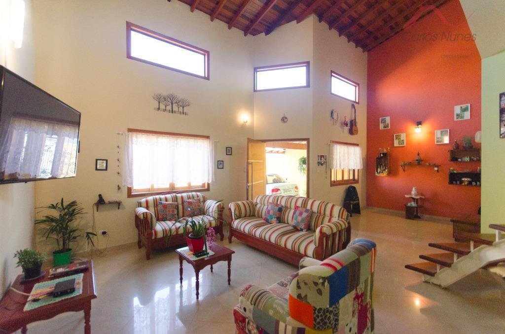 Belíssima Casa   à venda, Vale das Flores, Tremembé.