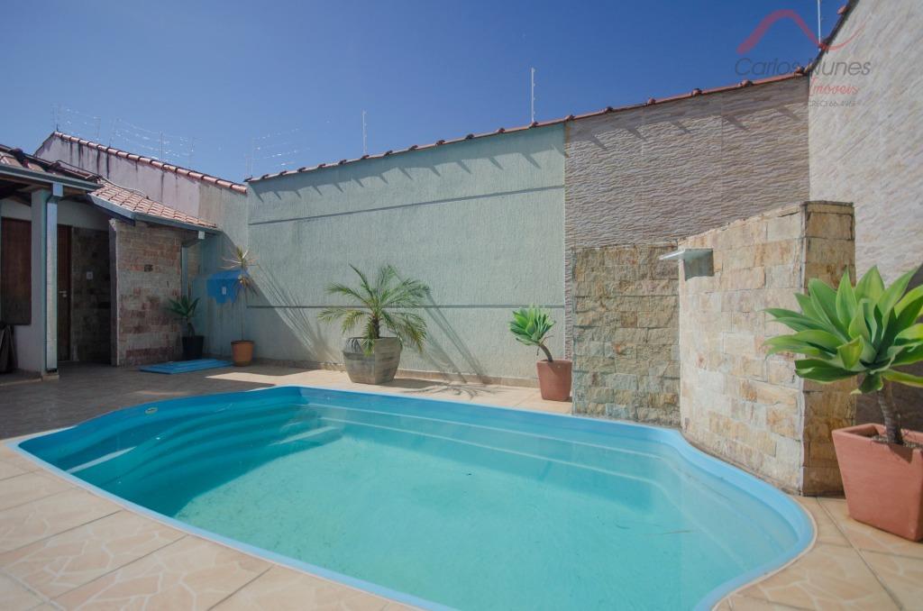 Casa com Piscina  à venda, Residencial Novo Horizonte, Taubaté.