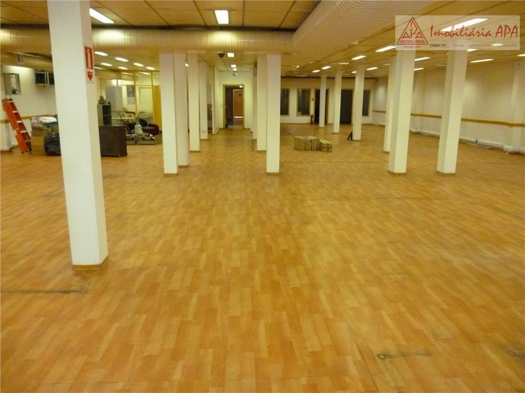 prédio comercial composto de 2 pavimentos, construído em área plena do terreno.pavimento térreo: hall de entrada,...