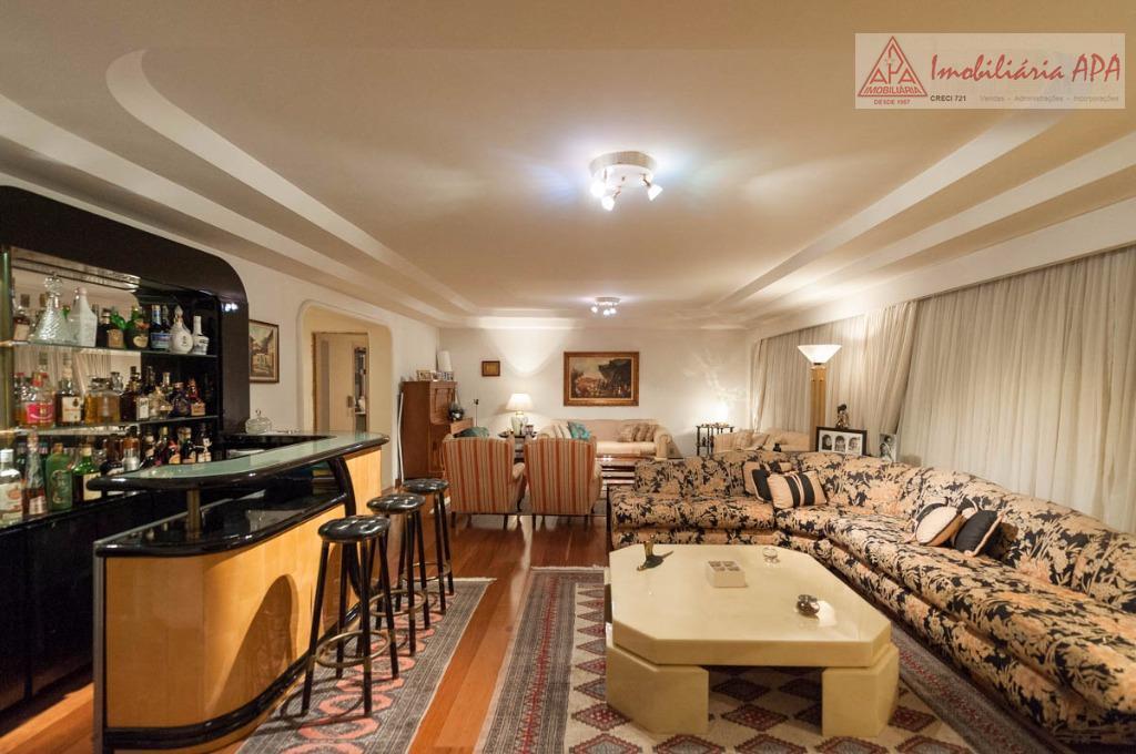 excelente apto. alto padrão, com 276 m² 03 vagas de garagem em uma das melhores localizações...