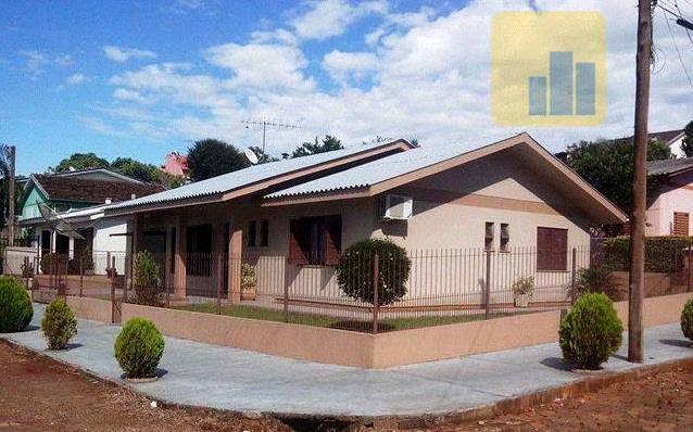 excelente oportunidade para investir e viver bem!!!casa com ótima localização, muito bem construída, toda com laje,...