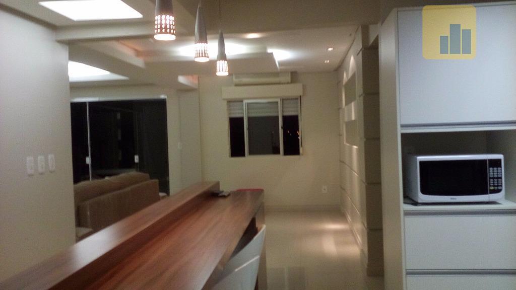apartamento central - semi-mobiliadocom 112,99 m² de área privativa, o apartamento oferece:03 dormitórios (01 com ar...