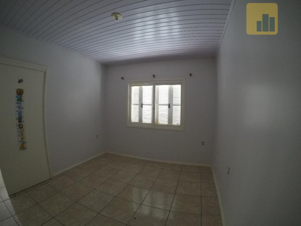 casa em alvenaria - bairro martinicom 139,28 m² construídos, o imóvel dispõe de:- 03 dormitórios- 02...