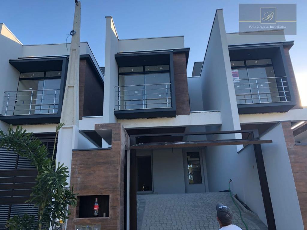 Sobrado residencial à venda, Glória, Joinville.