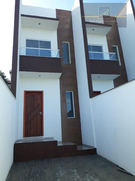 Sobrado residencial à venda, Petrópolis, Joinville.