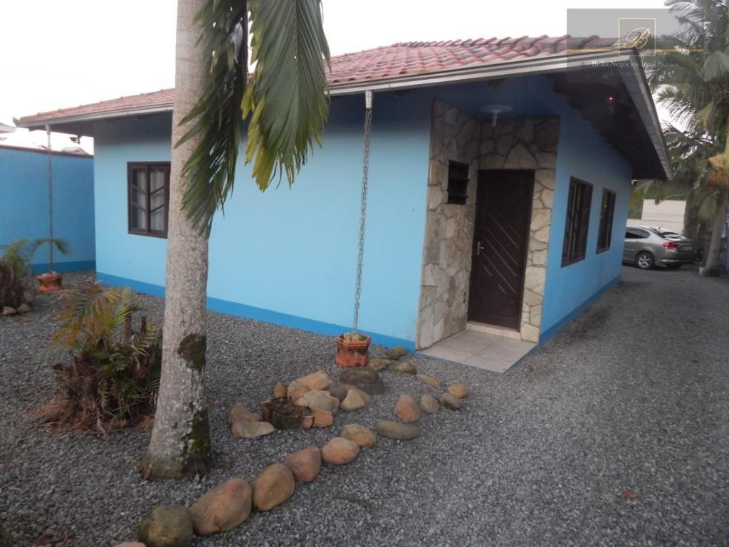 Casa com 2 dormitórios à venda, 126 m² por R$ 460.000