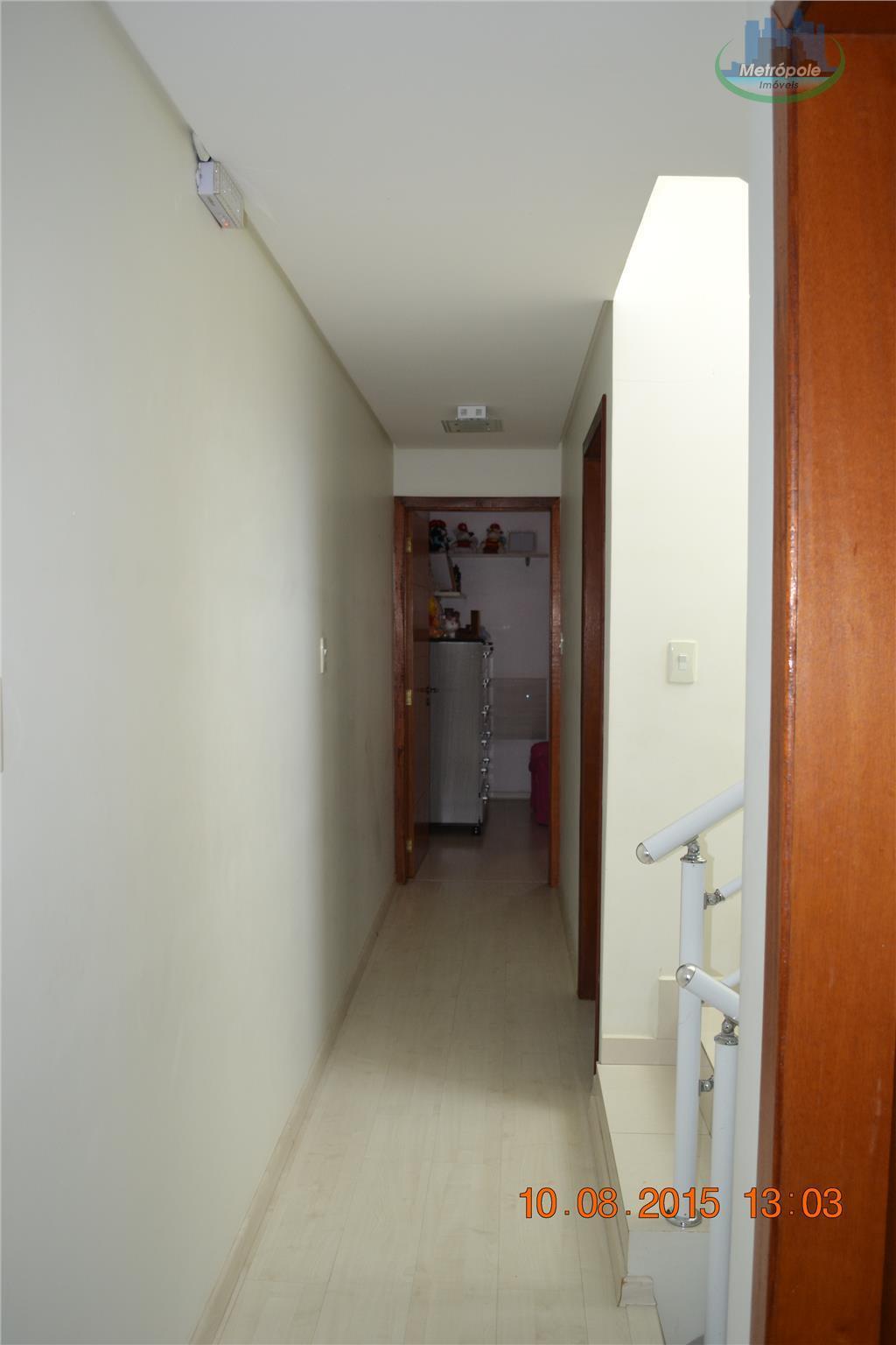 Sobrado de 4 dormitórios à venda em Parque Flamengo, Guarulhos - SP