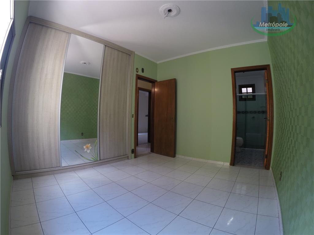 Casa de 3 dormitórios em Jardim Santa Cecília, Guarulhos - SP