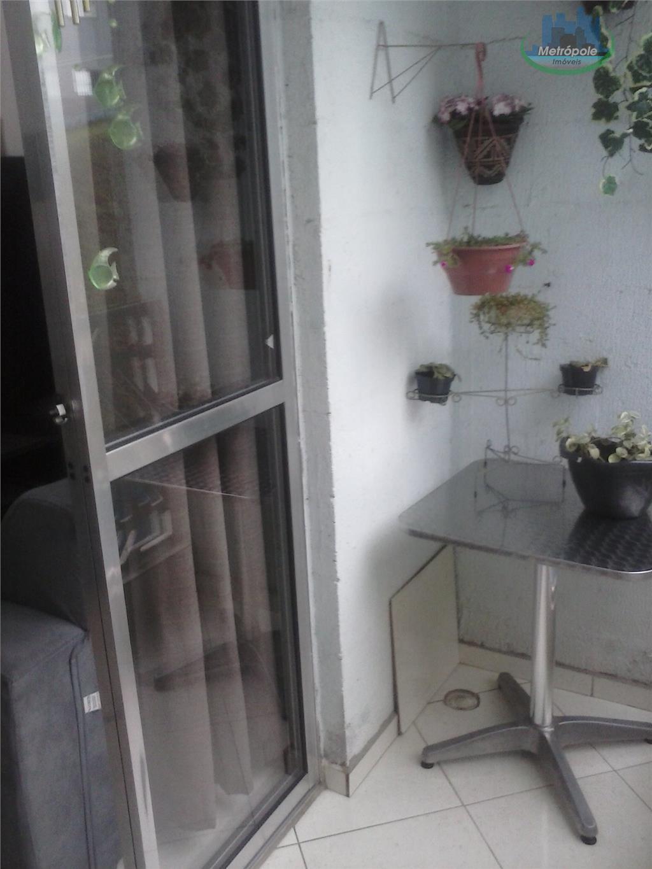 Apartamento de 2 dormitórios em Parque Primavera, Guarulhos - SP