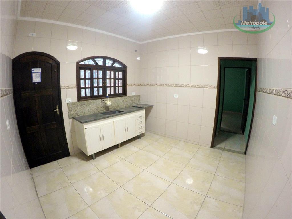Casa de 2 dormitórios em Cidade Martins, Guarulhos - SP