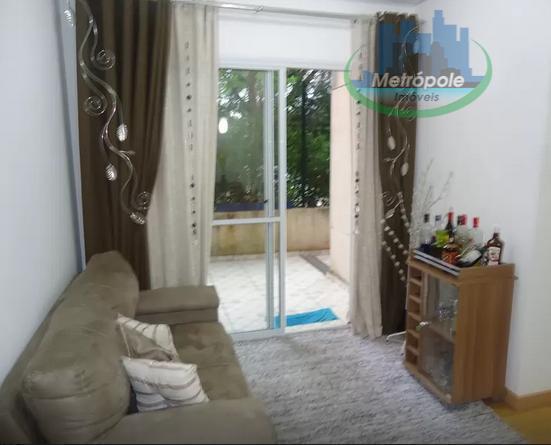 Apartamento de 3 dormitórios à venda em Jardim Cocaia, Guarulhos - SP