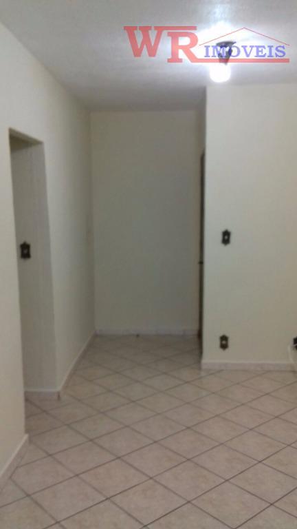 apartamento jardim irajáau 56 mts, 2 dormitórios, sala, cozinha com armários, wc. todo em piso frio....