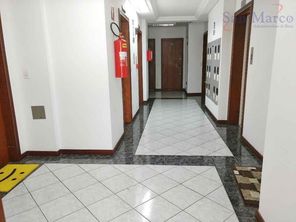 ótima sala, localizada no melhor ponto do champagnat na esquina com a r francisco rocha.edifício com...