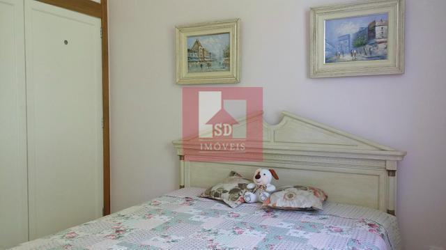 excelente casa independente, em bairro nobre, composta de salão em 2 ambientes com lareira e ampla...