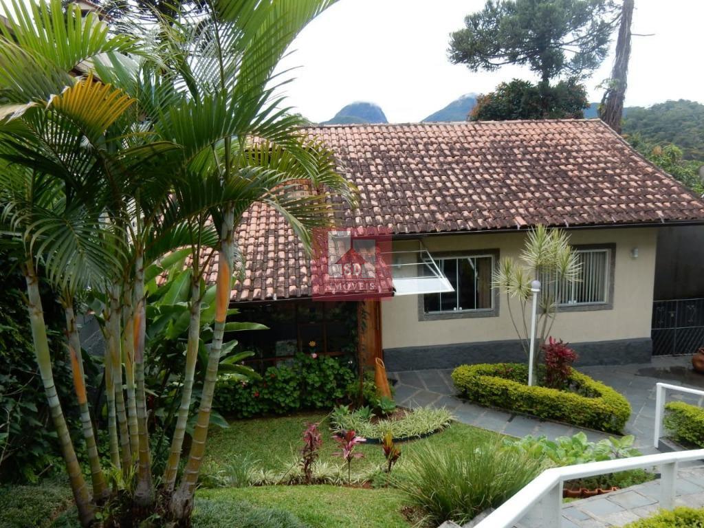 Casa à venda  em Teresópolis, Panorama