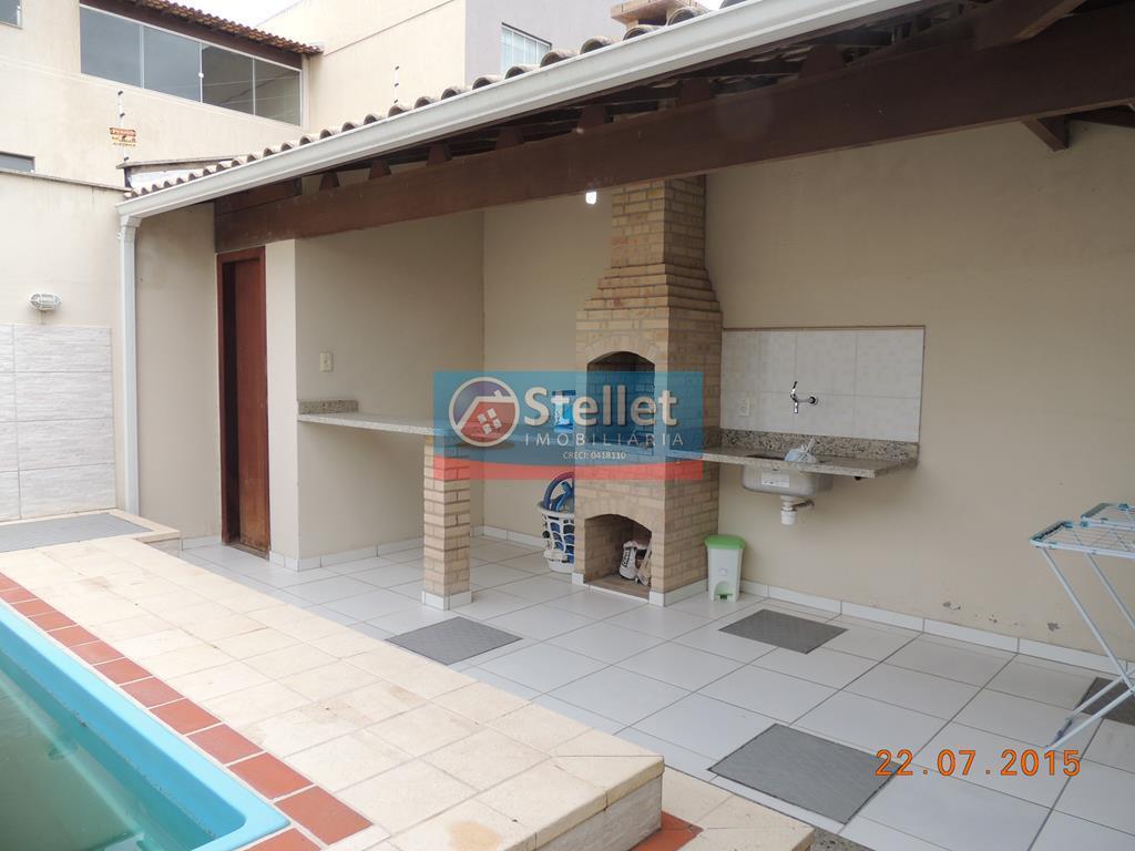 Casa com 4 quartos, área gourmet com piscina! CA0205
