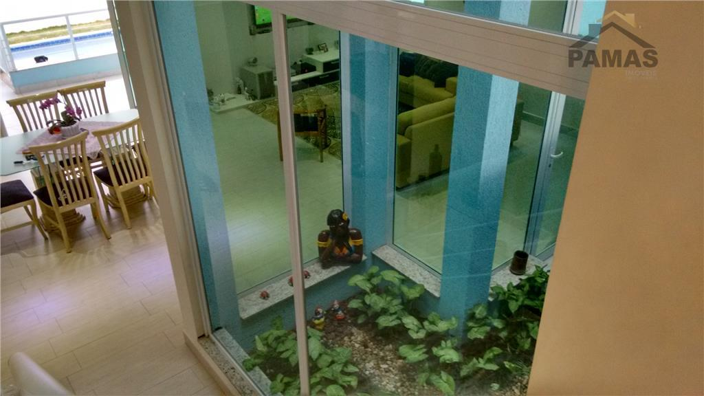 residencial com 2 portarias e  área social completa, piscina, quadra, churrasqueira,lago etc.