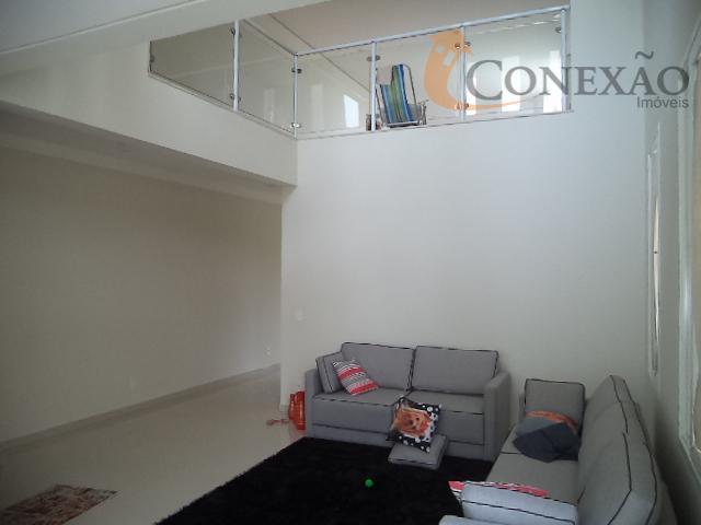 suite com varanda, 2 escritórios.