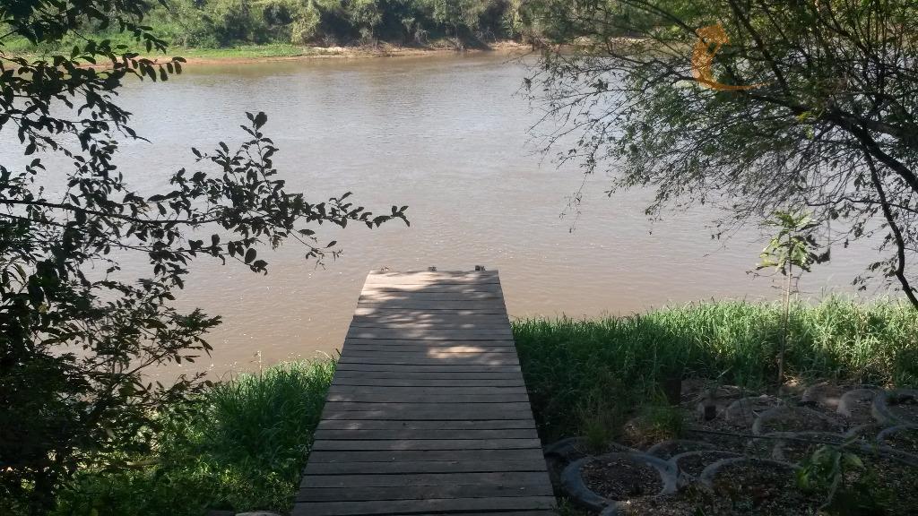 chácara as margens do rio mogi guaçu, com 130 m de frente para o rio; contendo...